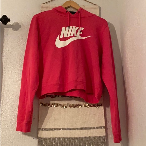 Cropped Nike pullover hoodie